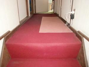 横浜市W様邸階段カーペット張替・トイレリフォーム工事 じゅうたん張替え前