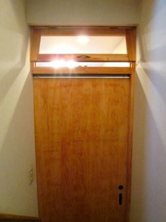 横浜市S様邸 階段室出入口 引戸・欄間新設リフォーム 欄間
