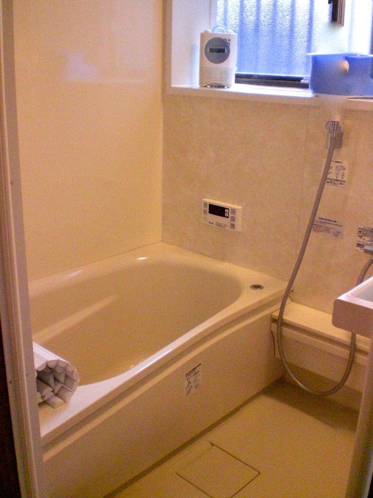 国立のY様邸 在来浴室のユニットバスへの交換工事