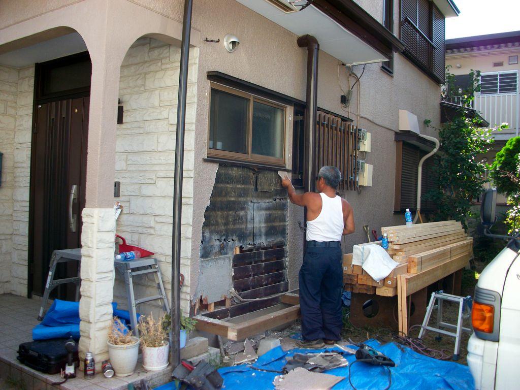 工事中~土台作成後、外壁解体開始