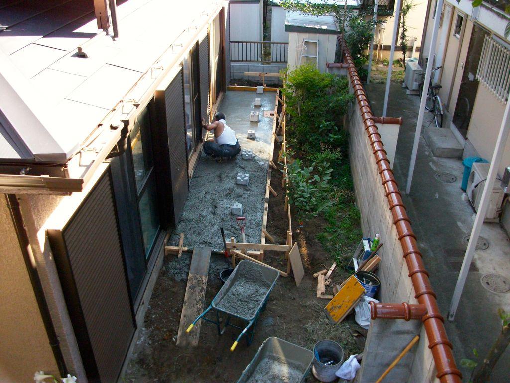 工事中②~ベタ基礎コンクリート打設中
