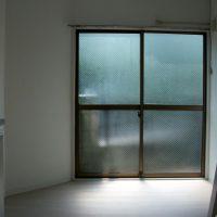 工事後/玄関側から洋室・テラス窓を写す