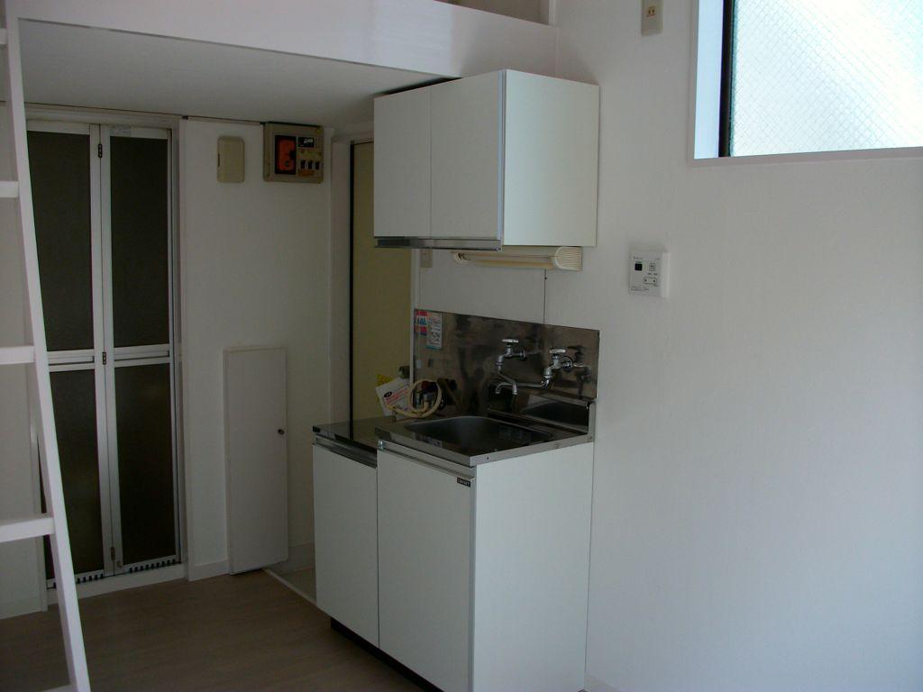 工事後/壁天井のクロス張替と木部塗装替え。キッチンとUBの交換等はなし。現状活用しクリーニングまで